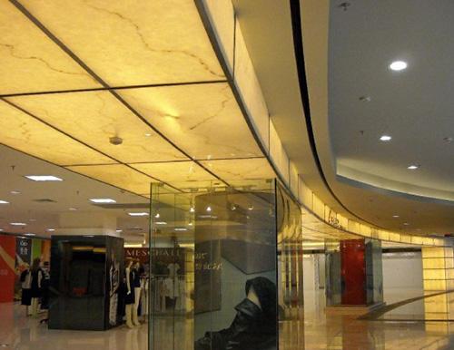 商场透光灯柱及透光吊顶